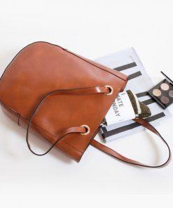 Купить вместительную женскую сумку из кожи (артикул: 200) в Бишкеке